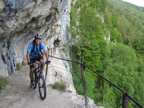 Foto: hofsab / Mountainbike Tour / Raschbergrunde (1390 m) über Blaa-Alm und Ewige Wand / die abwechslungreiche Tour geht dem Ende zu / 13.08.2009 20:24:52