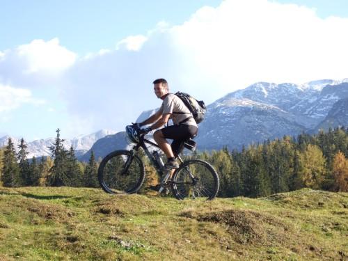 Foto: hofsab / Mountainbike Tour / Rund um den Plassen über Plankensteinalm (1530 m) und Gosauseen / 25.08.2009 12:55:50