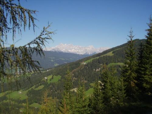Foto: hofsab / Mountainbike Tour / Rauch- (1893 m) und Rosskopf (1929 m) von Flachauwinkl / Ausblick beim WH Sattelgut / 25.08.2009 12:44:10