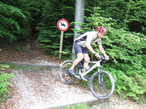Foto: hofsab / Mountainbike Tour / Hausruckrunde über Göblberg (801 m) / 25.08.2009 12:34:06