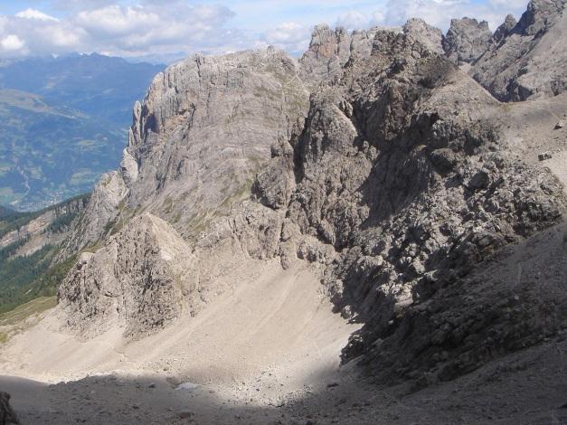 Foto: Manfred Karl / Klettersteig Tour / Simonskopf Südgrat Klettersteig / Im Hintergrund: Laserzwand - Roter Turm usw. / 18.07.2009 15:07:38