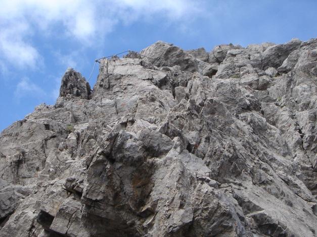 Foto: Manfred Karl / Klettersteig Tour / Simonskopf Südgrat Klettersteig / Die Versicherungen beginnen etwas oberhalb des Ansatzes vom Südgrat / 18.07.2009 15:05:57