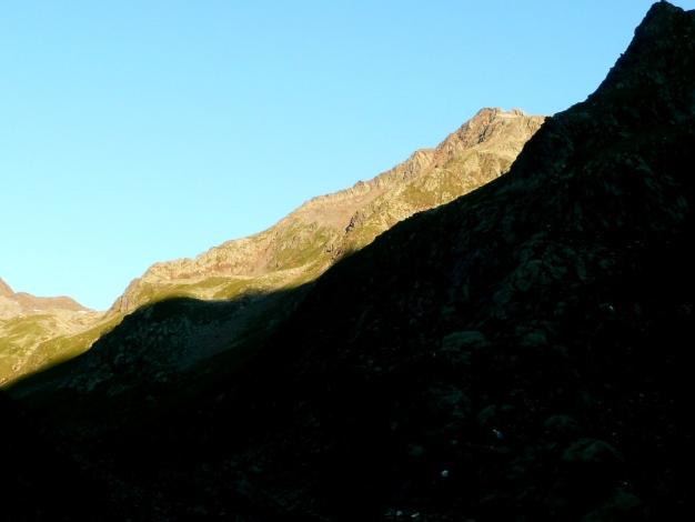 Foto: Manfred Karl / Wander Tour / Roteck – höchster Gipfel der Texelgruppe / Roteck von der Lodnerhütte / 31.08.2009 15:42:07