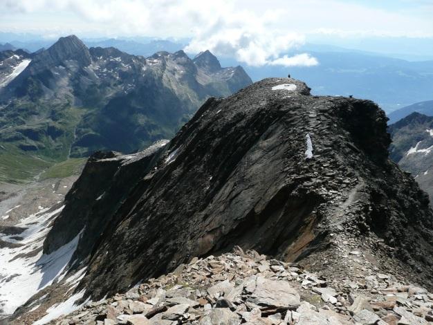 Foto: Manfred Karl / Wander Tour / Roteck – höchster Gipfel der Texelgruppe / Das letzte Stück ist ein einfacher Grat zum Gipfel / 31.08.2009 15:35:28