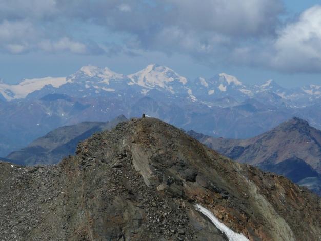 Foto: Manfred Karl / Wander Tour / Roteck – höchster Gipfel der Texelgruppe / Blick zur Berninagruppe / 31.08.2009 15:31:49