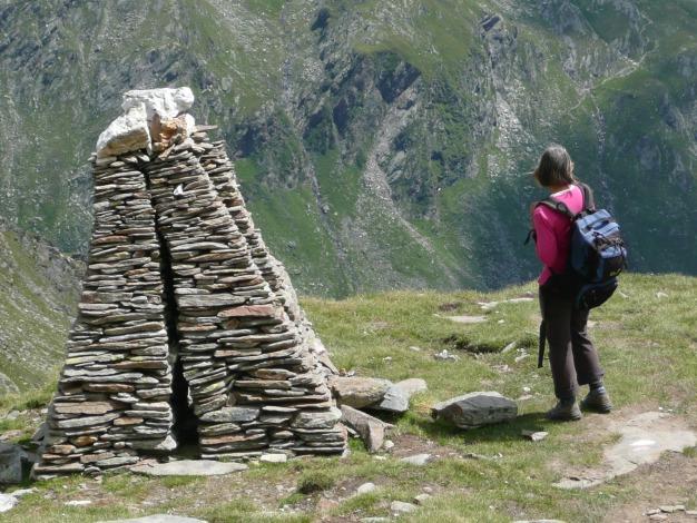 Foto: Manfred Karl / Wander Tour / Roteck – höchster Gipfel der Texelgruppe / Kunstwerk aus Stein / 31.08.2009 15:27:30
