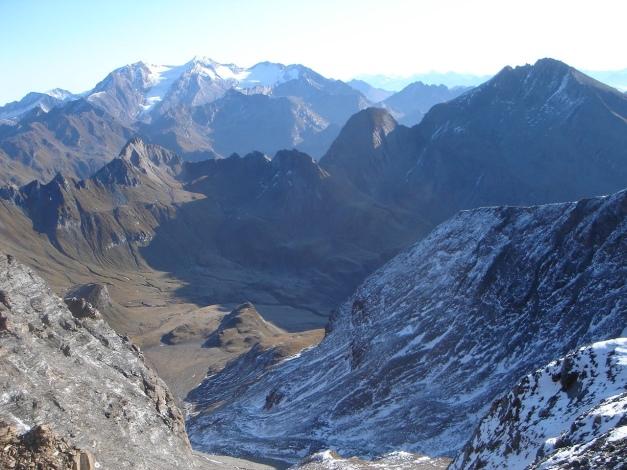 Foto: Manfred Karl / Wander Tour / Wilde Kreuzspitze – Highlight der Pfunderer Berge / Unten im Kar verläuft der Weg von der Brixner Hütte / 31.08.2009 19:11:07