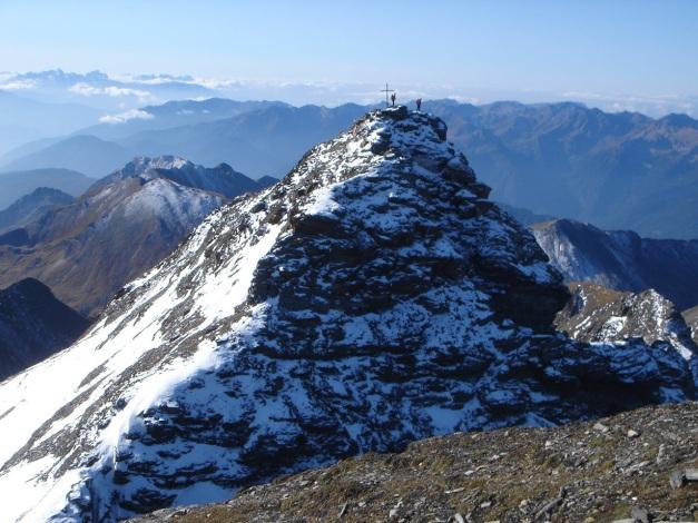Foto: Manfred Karl / Wander Tour / Wilde Kreuzspitze – Highlight der Pfunderer Berge / Blick vom östl. gelegenen Nebengipfel zum Hauptgipfel / 31.08.2009 19:06:27