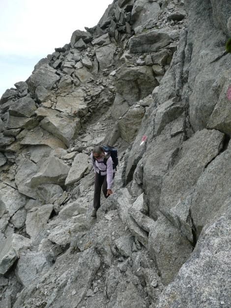 Foto: Manfred Karl / Wander Tour / Tschigat - markanter Gipfel über Meran / Bruchhaufen - also Vorsicht! / 31.08.2009 15:14:15