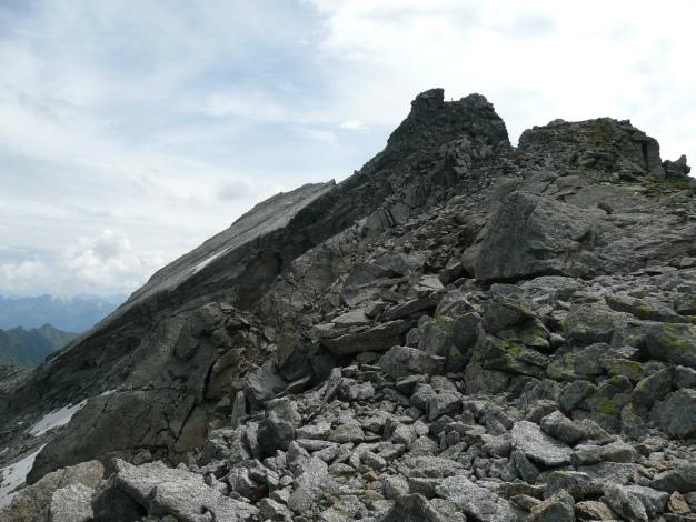Foto: Manfred Karl / Wander Tour / Tschigat - markanter Gipfel über Meran / Blick zum Lazinser Rötelspitz / 31.08.2009 15:06:44