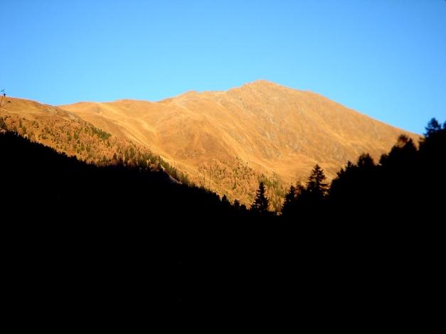 Foto: Manfred Karl / Wander Tour / Gratwanderung Böses Weibele – Tschadinhorn - Schönleitenspitze / Ein traumhafter Herbsttag geht zu Ende / 31.08.2009 20:05:16