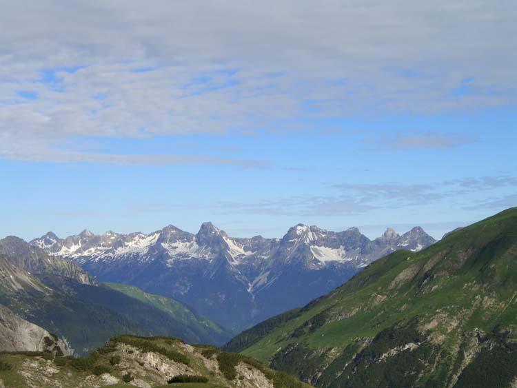 Foto: vince 51 / Wander Tour / vom Hahntennjoch auf den hinteren Scharnitzkopf / Blick zur Hornbachkette in den Allgäuer Alpen aus dem Hanhtennkar / 05.07.2009 23:51:00