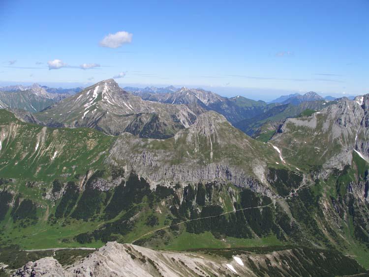 Foto: vince 51 / Wander Tour / vom Hahntennjoch auf den hinteren Scharnitzkopf / Namloser Wetterspitze / 05.07.2009 23:40:31