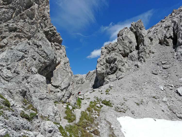 Foto: vince 51 / Wander Tour / vom Hahntennjoch auf den hinteren Scharnitzkopf / Scharnitzsattel von Süden / 05.07.2009 23:37:29