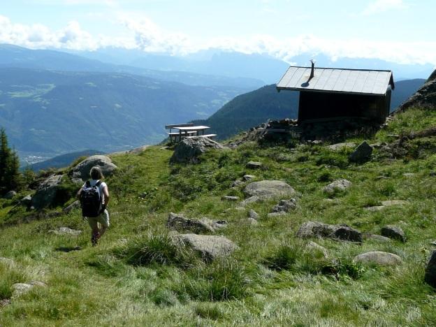 Foto: Manfred Karl / Wander Tour / Vom Gampenjoch auf die Laugenspitze / Hütte am Weg Nr. 133 / 31.08.2009 18:55:44