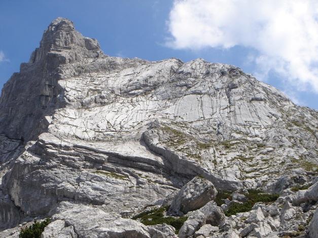 Foto: Manfred Karl / Wander Tour / Schärtenspitze, 2153 m / Die Westseite der Schärtenspitze mit vielen Klettermöglichkeiten / 31.08.2009 18:41:17