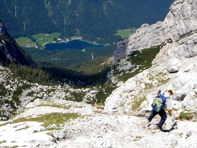 Foto: Manfred Karl / Wander Tour / Schärtenspitze, 2153 m / Blick zum Hintersee / 31.08.2009 18:38:18