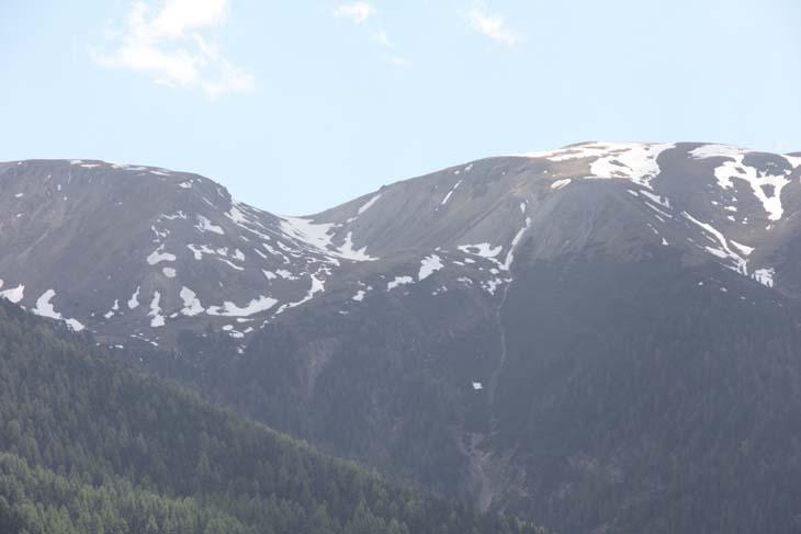 Foto: vince 51 / Wander Tour / Aussichtsbalkon über dem Reschensee / Der Endkopf aus dem Langtauferer Tal(Tele) gut zu sehen der in der Beschreibung erwähnte Sattel / 06.07.2009 22:37:56