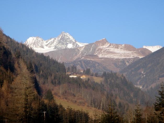 Foto: Manfred Karl / Wander Tour / Figerhorn - Aussichtstribüne mit Glocknerblick / Rechts vom Glockner ist das Figerhorn zu sehen / 31.08.2009 16:40:37