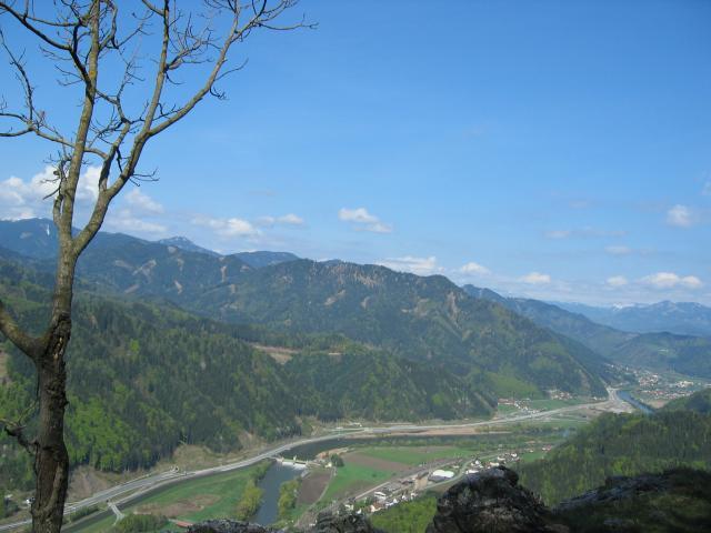 Foto: pepi4813 / Wander Tour / Röthelstein - Aussichtsbalkon über der Mur / Erster Blick ins Murtal / 09.07.2009 15:36:32