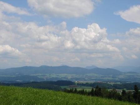 Foto: hanna84 / Wander Tour / Wandern im Naturpark Buchberg / Ausblick zum Schafberg / 09.07.2009 20:29:19