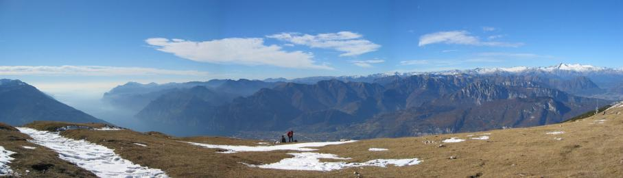 Foto: pepi4813 / Wander Tour / Panoramaplatz über Arco / Panorama am Monte Stivo / 10.07.2009 20:39:29