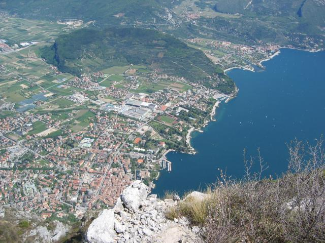 Foto: pepi4813 / Wander Tour / Aussichtsbalkon über Riva / Aussichtsbalkon über Riva / 10.07.2009 21:58:32