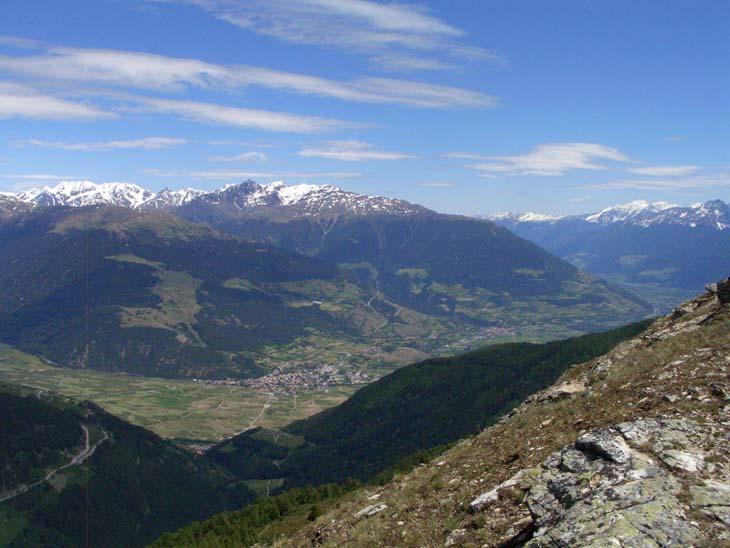 Foto: vince 51 / Wander Tour / von Schlinig auf den Monterodes / Tiefblick ins Vintschgau / 11.07.2009 23:20:32