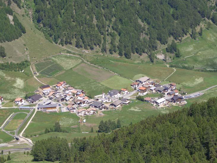 Foto: vince 51 / Wander Tour / von Schlinig auf den Monterodes / Tiefblick auf Schlinig / 11.07.2009 23:17:31