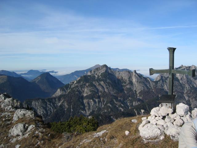 Foto: pepi4813 / Wander Tour / Auf einsamen Steigen zum Wilden Jäger / Gipfelkreuz am Wilden Jäger / 12.07.2009 00:37:33