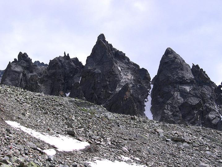 Foto: Andreas Koller / Kletter Tour / Überschreitung der Madatschtürme (2837m) / Die Madatschtürme / 16.07.2009 17:18:15
