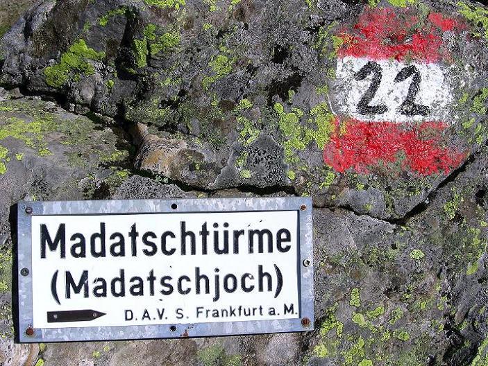Foto: Andreas Koller / Kletter Tour / Überschreitung der Madatschtürme (2837m) / 16.07.2009 17:16:40