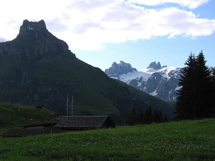 Foto: Andreas Koller / Klettersteig Tour / Klettersteig Brunnistöckli (2030m) / Hahnen (2606 m) und der Große und Kleine Spannort (3198 m) / 15.07.2009 02:16:25