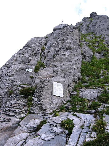 Foto: Andreas Koller / Klettersteig Tour / Klettersteig Brunnistöckli (2030m) / Der Einstieg / 15.07.2009 02:14:14