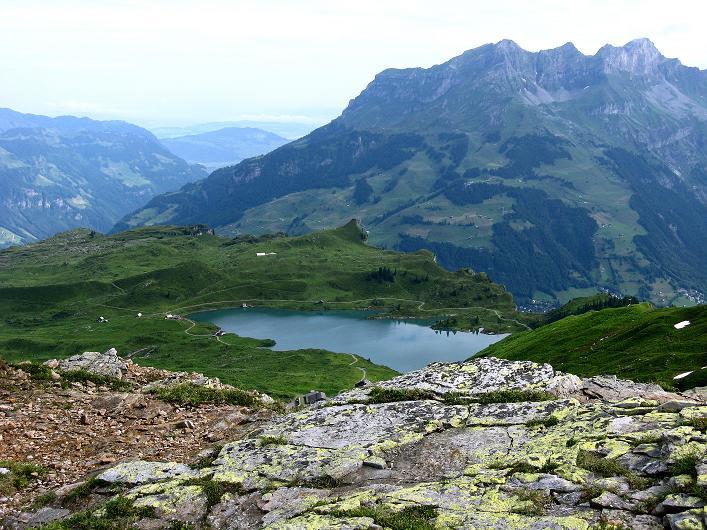 Foto: Andreas Koller / Klettersteig Tour / Klettersteig Graustock (2662 m) / Trübsee, darüber der Rigidalstock (2593 m) / 15.07.2009 23:56:27