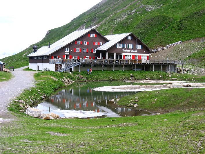 Foto: Andreas Koller / Klettersteig Tour / Klettersteig Graustock (2662 m) / Berghaus Jochpass / 15.07.2009 23:37:42