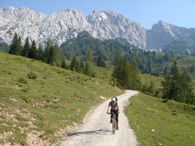 Foto: Manfred Karl / Kletter Tour / Scheffauer Nordwand Ostlerführe / 17.07.2009 18:44:42