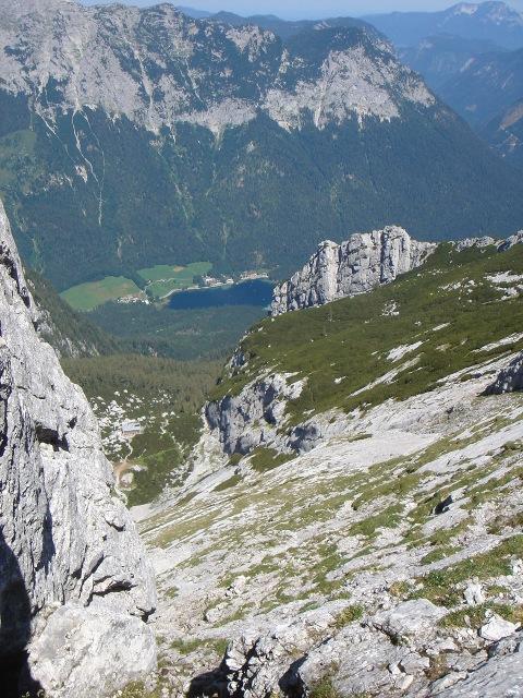 Foto: Manfred Karl / Kletter Tour / Schärtenspitze, Nordostwand / In der Rinne zum Einstieg / 09.11.2015 20:23:17