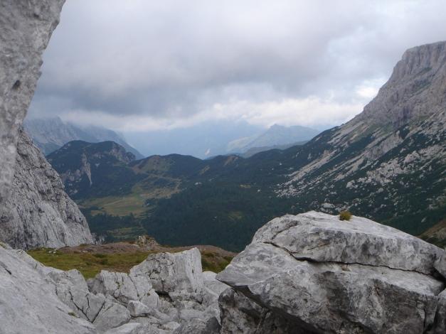 Foto: Manfred Karl / Kletter Tour / Trogkofel, Nordostkante / Einstieg im Großen Sattel / 17.07.2009 23:09:11