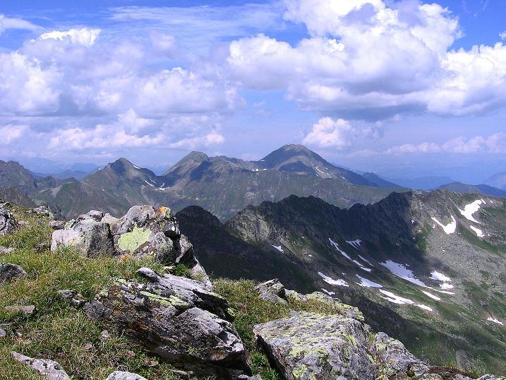Foto: Andreas Koller / Wander Tour / Schöderkogel über S-Grat und NW-Grat (2500m) / Blick zum Großen Knallstein (2599 m) / 18.07.2009 19:57:25