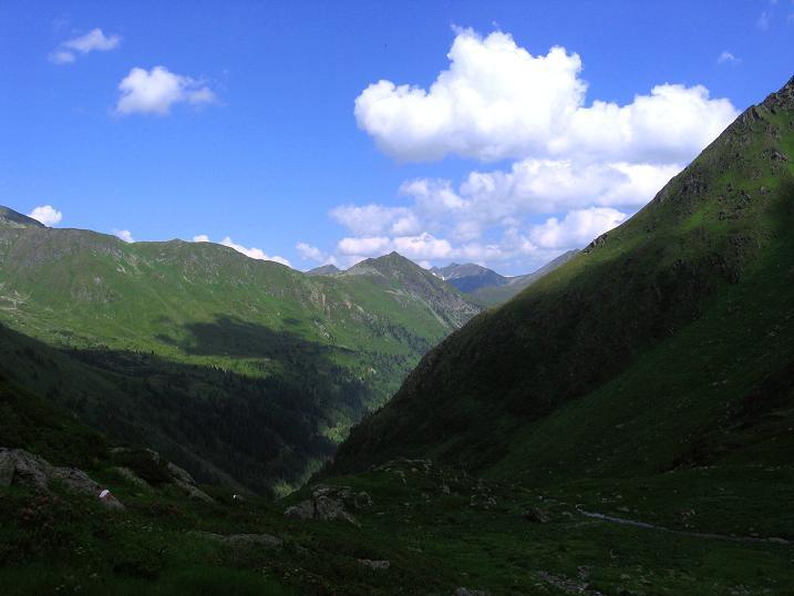 Foto: Andreas Koller / Wander Tour / Schöderkogel über S-Grat und NW-Grat (2500m) / Blick aus dem Katschtal nach O in die Wölzer Tauern / 18.07.2009 19:51:45