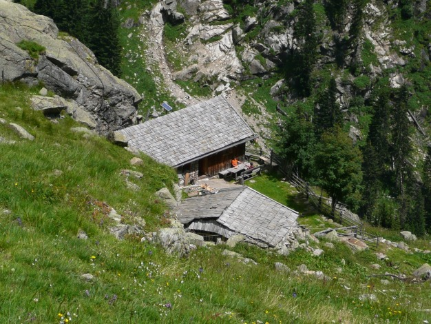 Foto: Manfred Karl / Wander Tour / Durch das Zieltal zur Lodnerhütte / Hier gibts Ziegenkäse! / 31.08.2009 14:57:43