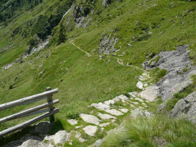 Foto: Manfred Karl / Wander Tour / Durch das Zieltal zur Lodnerhütte / Der Weg ist hervorragend angelegt / 31.08.2009 14:57:18