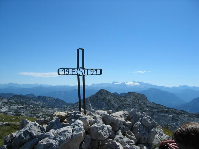 Foto: pepi4813 / Wander Tour / Scheiblingkögel im Toten Gebirge / Gipfelkreuz Gr. Scheiblingkogel / 18.07.2009 19:09:15
