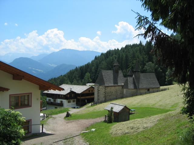 Foto: pepi4813 / Wander Tour / Von Villanders über Dreikirchen zur Villanderer Alm / Dreikirchen / 19.07.2009 20:55:15