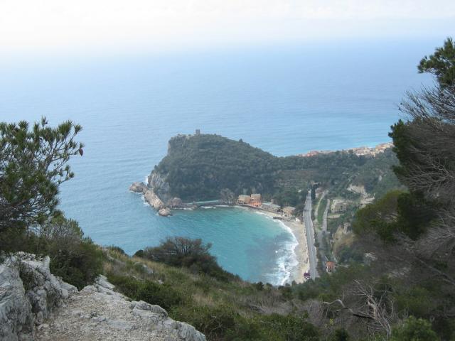 Foto: pepi4813 / Wander Tour / Küstenwanderung von Varigotti nach Noli / Blick auf Varigotti / 19.07.2009 22:08:33