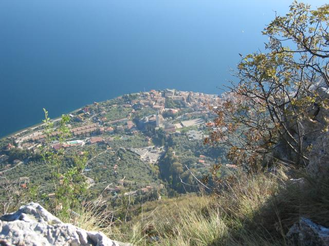 Foto: pepi4813 / Wander Tour / Cima Comer / Tiefblick auf Gargnano / 19.07.2009 22:31:18