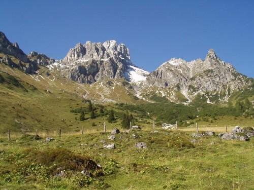 Foto: hofsab / Mountainbike Tour / Filmooser Almentour über Hofalmen und Sulzenalm (1612 m) / die Bischofsmütze lässt grüßen / 26.08.2009 12:42:40