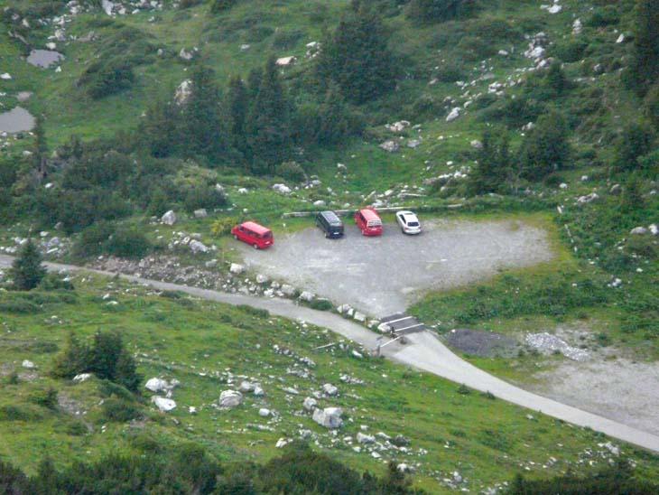 Foto: vince 51 / Wander Tour / Erdgeschichtliche Rundwanderung / Parkplatz (vom Formaletsch-Gipfel) / 22.07.2009 22:00:40