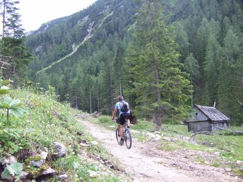 Foto: hofsab / Mountainbike Tour / Huttererböden (1404 m) von Hinterstoder über Steyerbergerreith / Überfahrt zur unteren Edtbauernalm / 25.08.2009 13:07:53